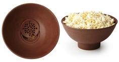 팝콘 예찬론자를 위한 그릇. Kernel Filtering Popcorn Bowl