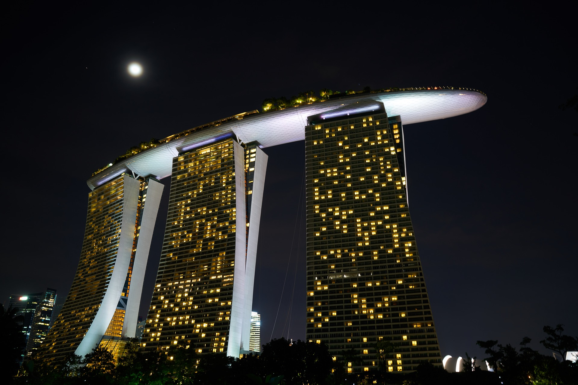 hotel-2294856_1920.jpg