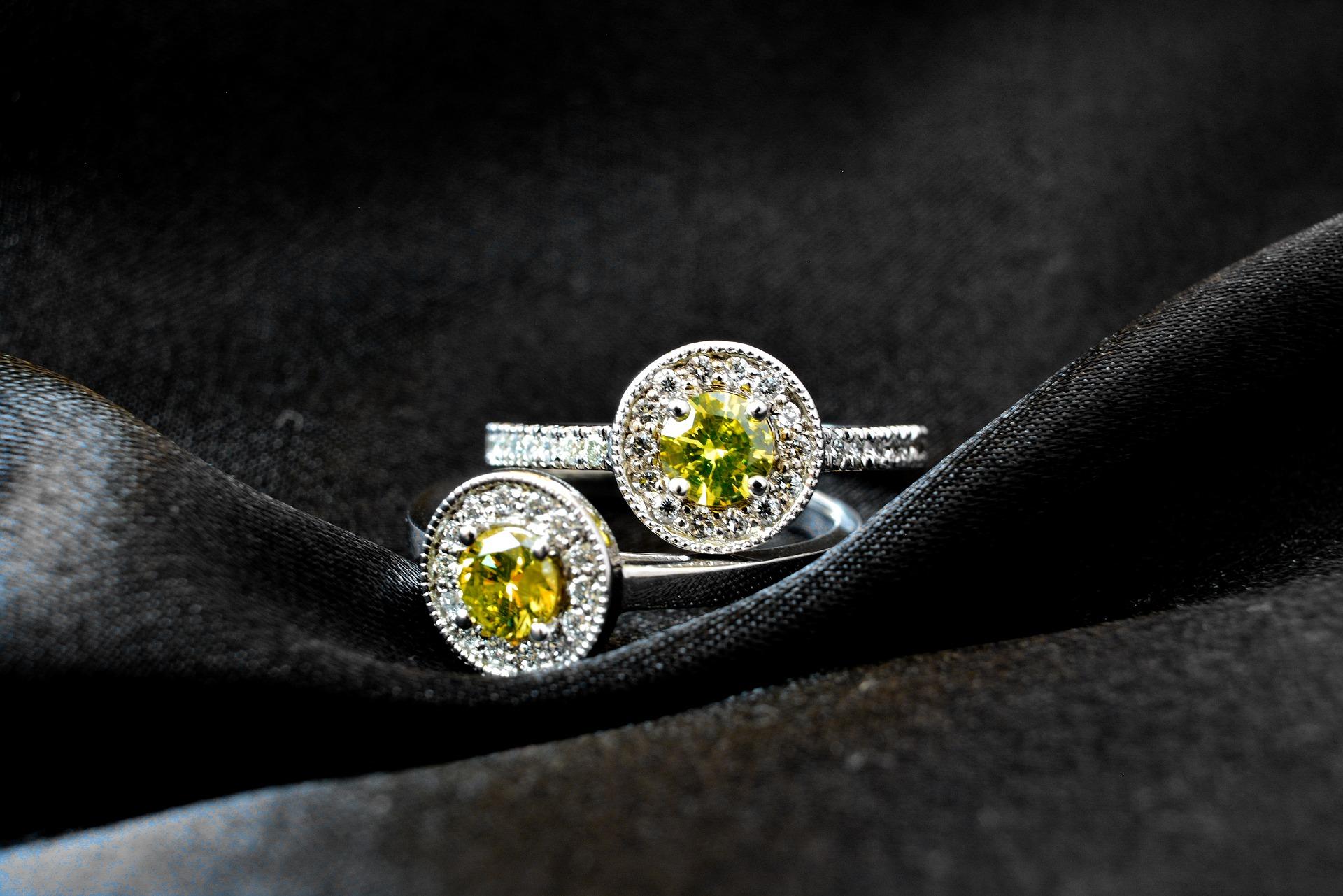 diamond-4040801_1920.jpg